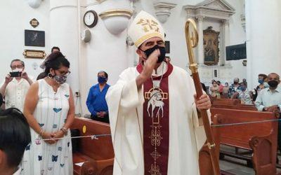 Bendícenos Señor con vocaciones sacerdotales