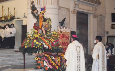 San Miguel protégenos e ilumina nuestro camino